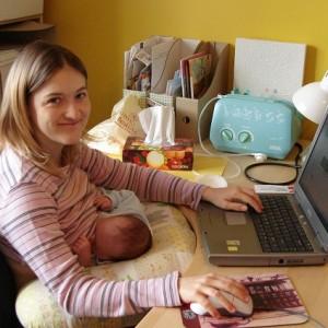 Работа на дому для мам в декрете. Как заработать молодой мамочке?
